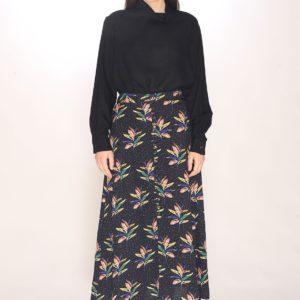 dots-petals-buttoned-skirt